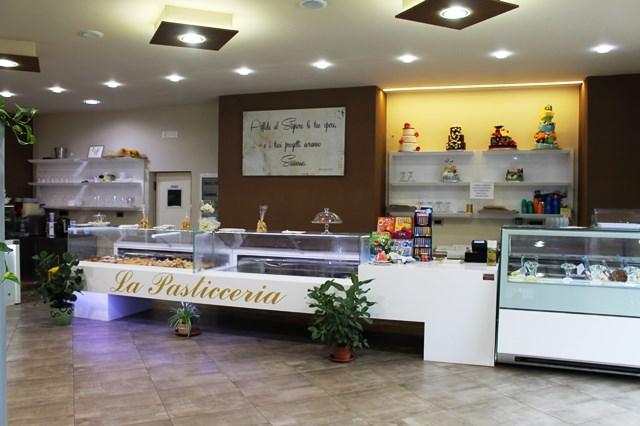 bar-gelateria-pasticceria-caffe-royal-caccamo-palermo