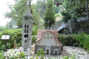 Monumenti siciliani in miniatura